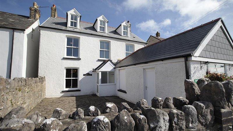 Carreg Lwyd Farmhouse, casa vacanza a Rhossili