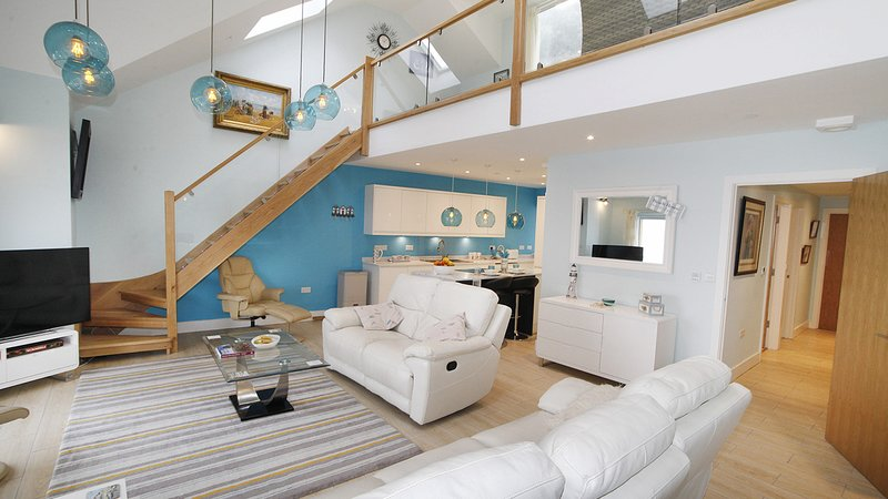 David's Wharf - Apartment 3, holiday rental in Mumbles