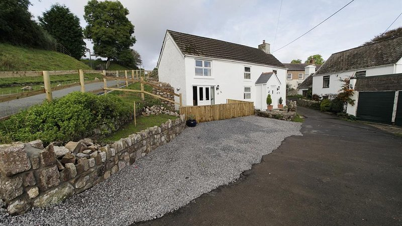 Frog Lane Cottages, location de vacances à Llanrhidian