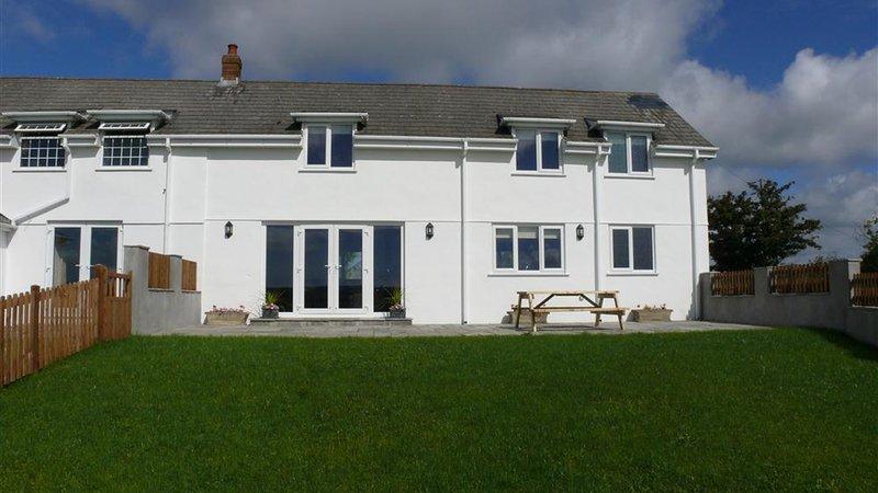 Llanelen Farm, Sleeps 4, location de vacances à Llanrhidian