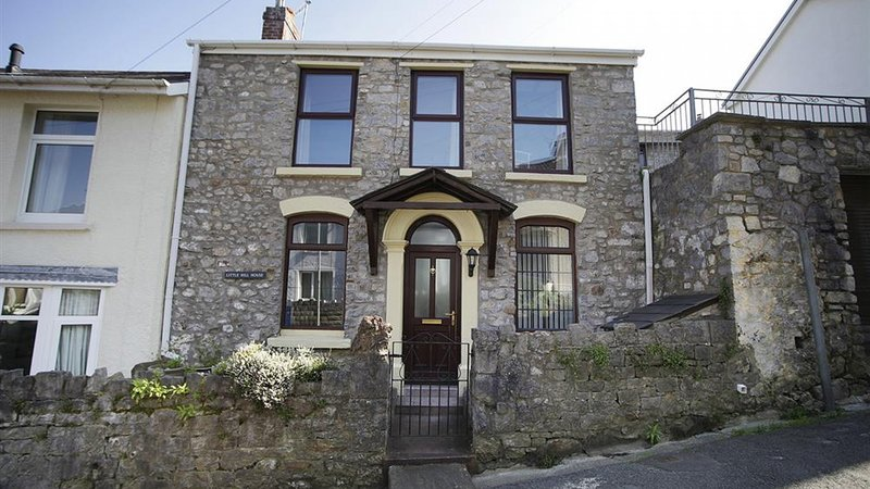 Little Hill House, holiday rental in Mumbles