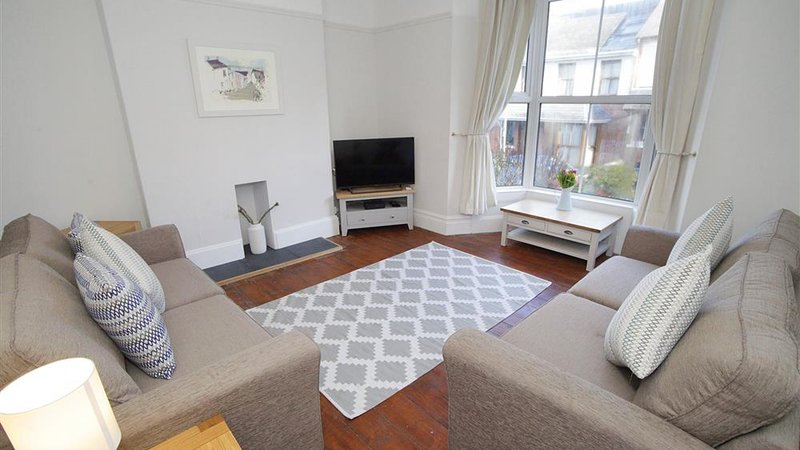 Oakland Road, holiday rental in Mumbles