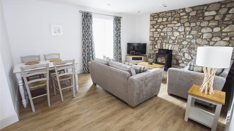 Upper Sanctuary Apartment, location de vacances à Llanrhidian