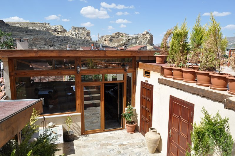 Larissa Cave House (inc. breakfast&hot beverages), holiday rental in Nevsehir
