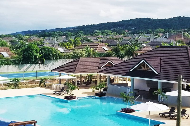 Fern Court Apartment @ Richmond with Oceanic view, holiday rental in Ocho Rios