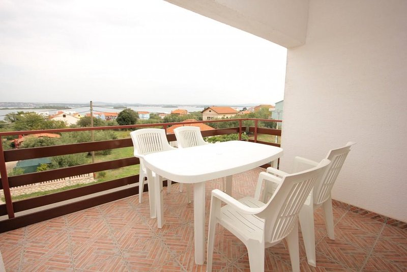 Ugrinici Apartment Sleeps 4 with Air Con - 5628788, holiday rental in Kraj