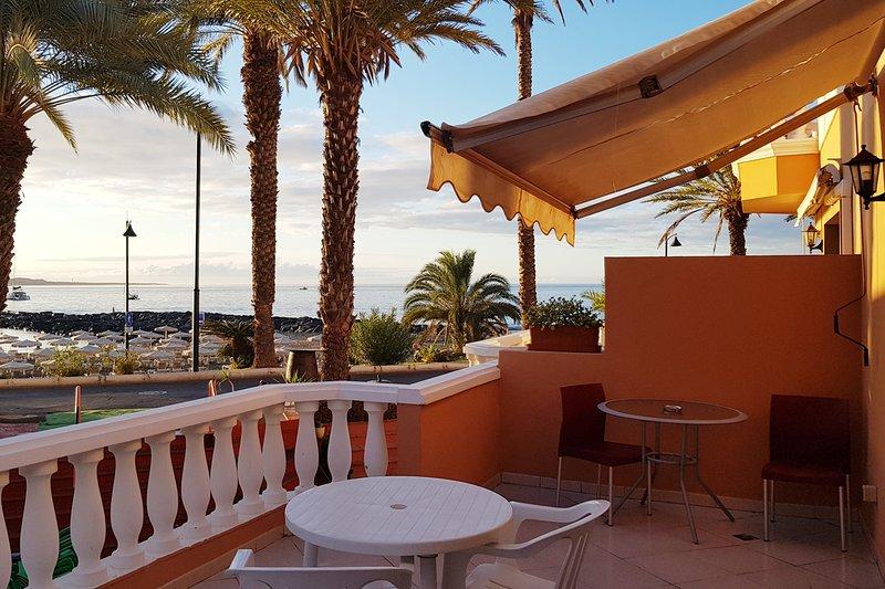 Seaview Studio for 2 Guests, holiday rental in Playa de las Americas