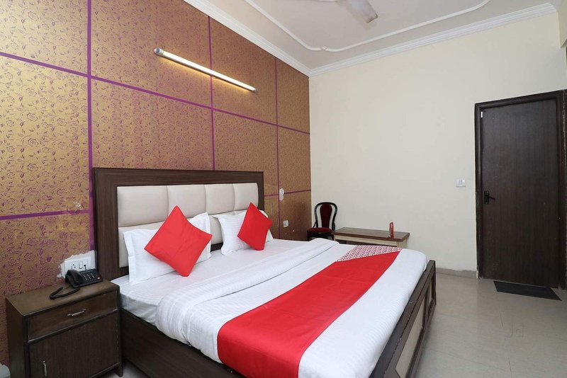 【Free Airport Drop Stay】, vacation rental in New Delhi