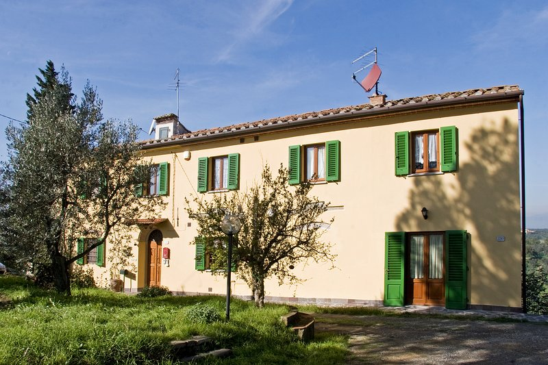 Il Melograno, a beautiful house in Vinci - Tuscany, vacation rental in Mezzana