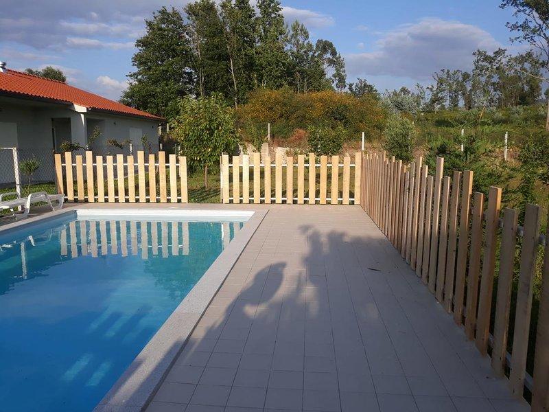 Big villa with swimming-pool & Wifi, alquiler vacacional en Arcos de Valdevez
