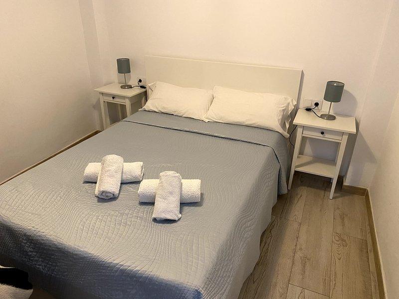 Modern and beautiful apartment with an exceptional location, vacation rental in Las Navas de la Concepcion