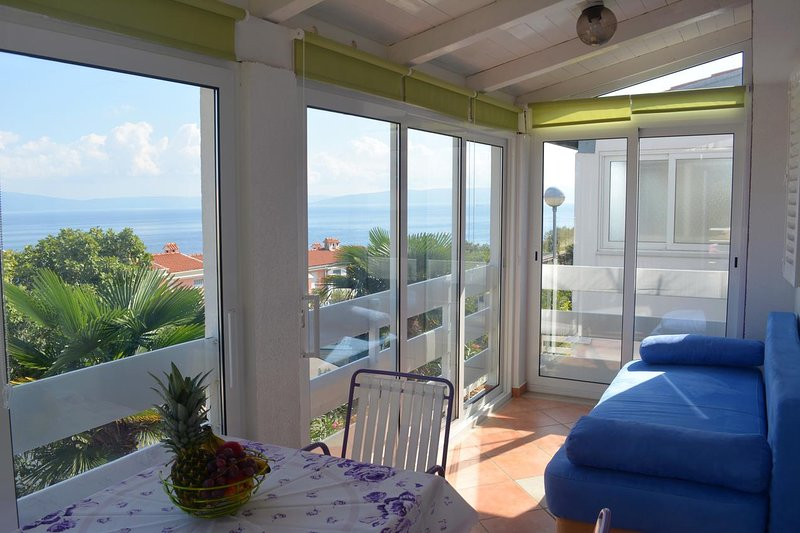 Ravni Apartment Sleeps 5 with Air Con - 5467494, holiday rental in Ravni
