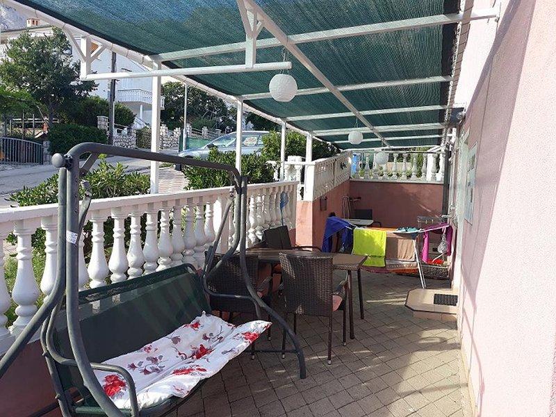 Stara Baska Apartment Sleeps 6 with Air Con - 5464350, vacation rental in Batomalj