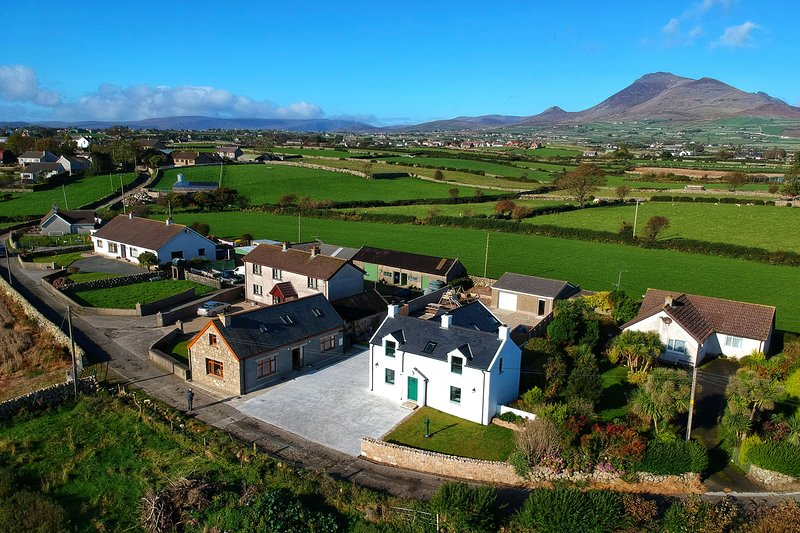 The Grove, traditional Irish cottage in the Mourne Mountains, location de vacances à Kilkeel