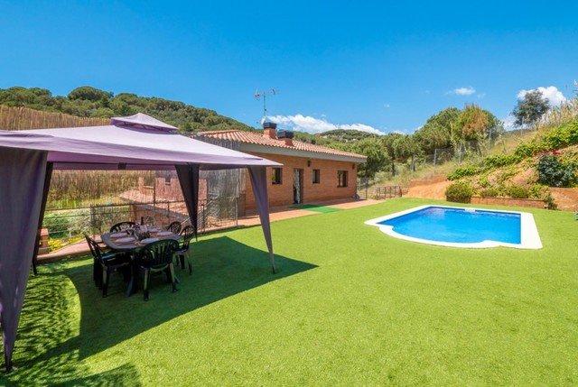 Calella Villa Sleeps 12 with Pool Air Con and Free WiFi - 5509415, aluguéis de temporada em Calella