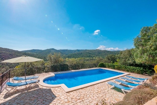 Calonge Villa Sleeps 10 with Pool and Free WiFi - 5509200, vacation rental in Calonge