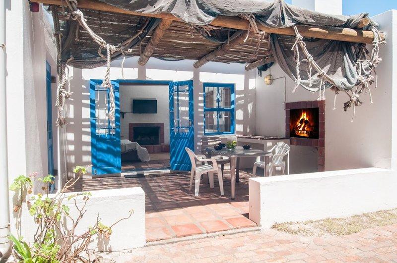 6sleeper Longbeach Self-Catering Cabanas Shekina 3bed sleeps 6 ONLY, aluguéis de temporada em Saldanha