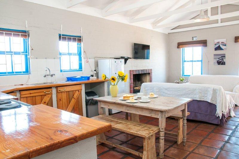 Shilo 4sl Langebaan Cabana ideal for Kitesurf and other Waters port at the beach, aluguéis de temporada em Saldanha