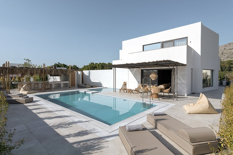 Pefki Villa Sleeps 6 with Pool and Air Con - 5829407, holiday rental in Pefki
