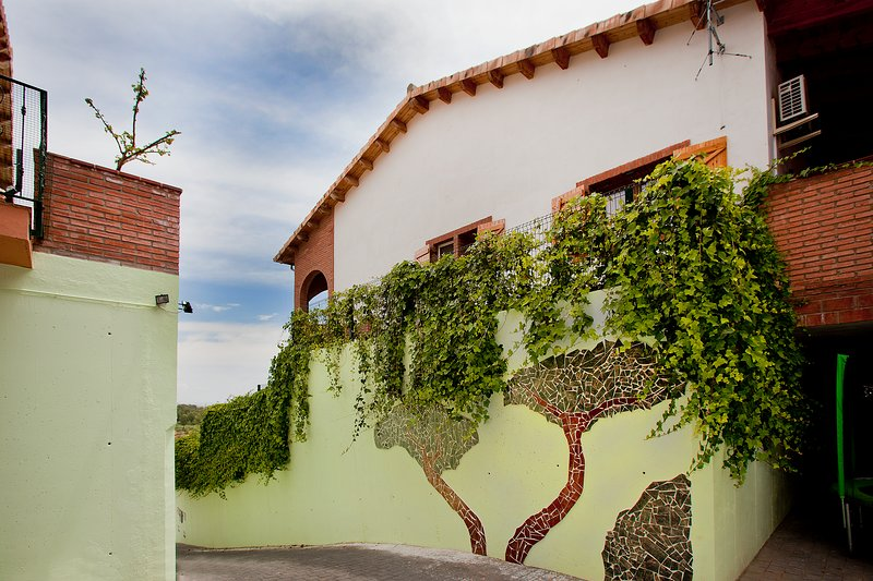 Can Prats - casa rural Camamilla - 10 plazas (piscina privada y barbacoa), vacation rental in Riudecanyes