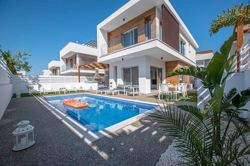 Protaras Vanilla No 5 Luxury Villa, Ferienwohnung in Pernera