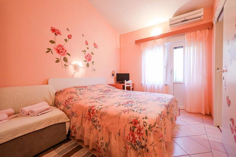 Zaglav Apartment Sleeps 2 with Air Con - 5467984, location de vacances à Brbinj