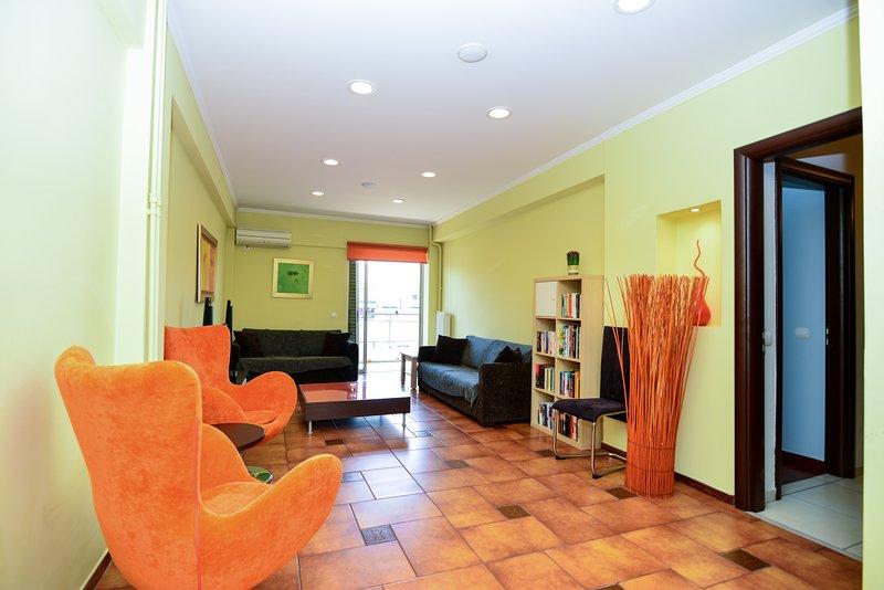 Athens 2-bedrooms 3 minutes walking to metro Panormou, aluguéis de temporada em Neo Psychiko