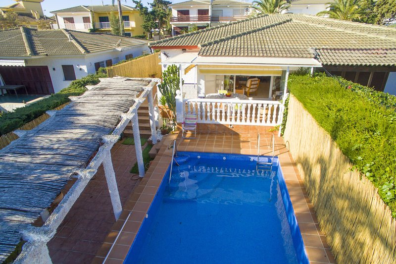 Semi-dettached villa with large terrace with BBQ and private pool – semesterbostad i Cabo de Palos