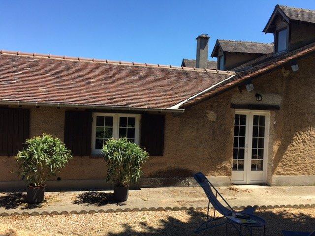 LE VERGER GITE AVEC PISCINE ET TENNIS, location de vacances à Saint-Lubin-de-la-Haye