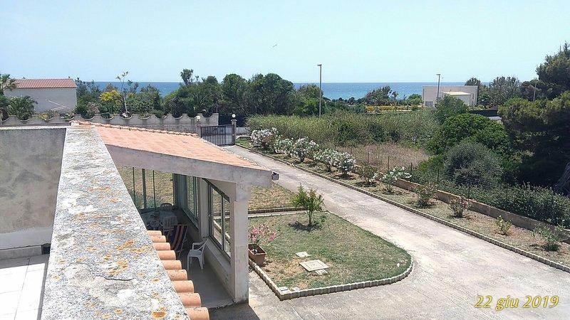 LAST MINUTE Giugno ! Villino al mare a 200 mt da spiaggia Bandiera Blu 2020, location de vacances à Ispica