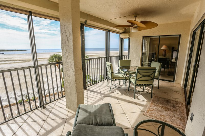 Beautiful Remodeled 2/2 Condo Direct Gulf Front at Carlos Pointe, vacation rental in Survey Creek