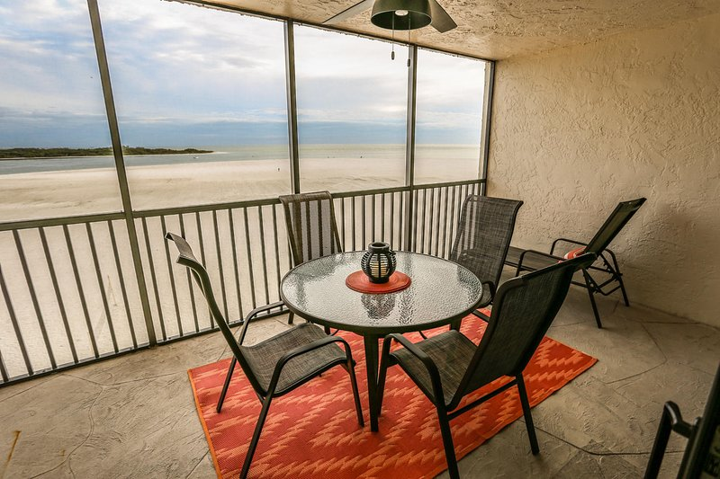 ~Beautiful 2 bedroom, 2 bath condo at Carlos Pointe~, vacation rental in Survey Creek