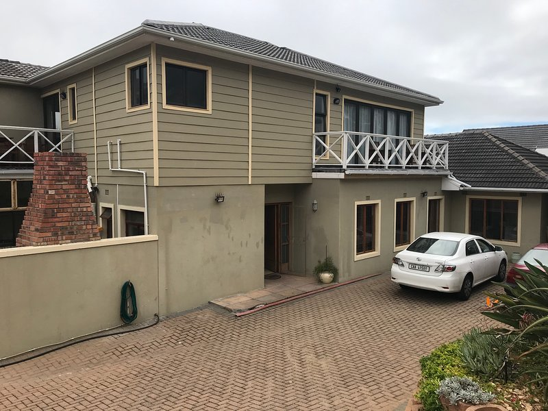 The White House in Fabulous Fish Hoek, holiday rental in Fish Hoek