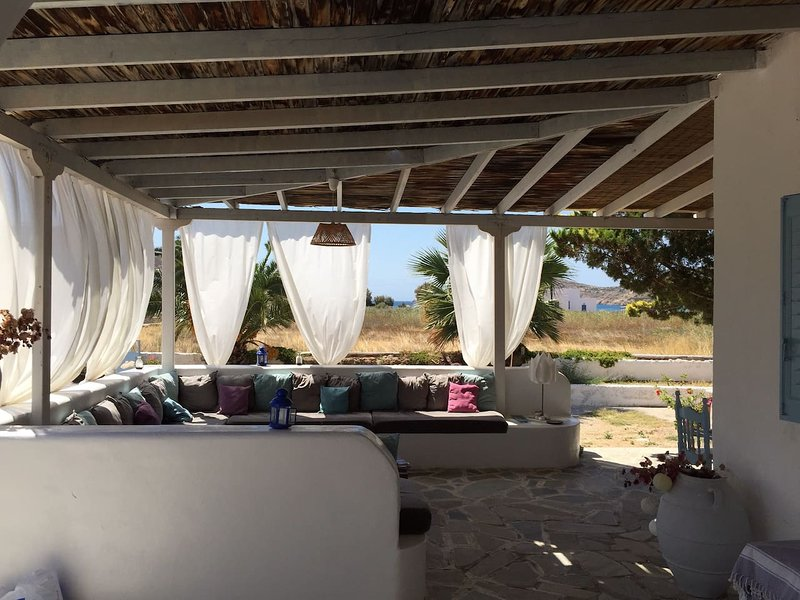 Amazing house with sea view & Wifi, holiday rental in Milopotas