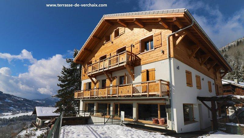 Chalet Mia - La Terrasse de Verchaix - Penthouse Chalet Apartment, vacation rental in Grand Massif