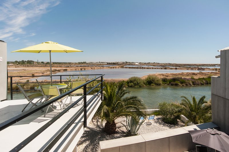 LOFT with a view - a birdwatchers paradise, holiday rental in Fuseta