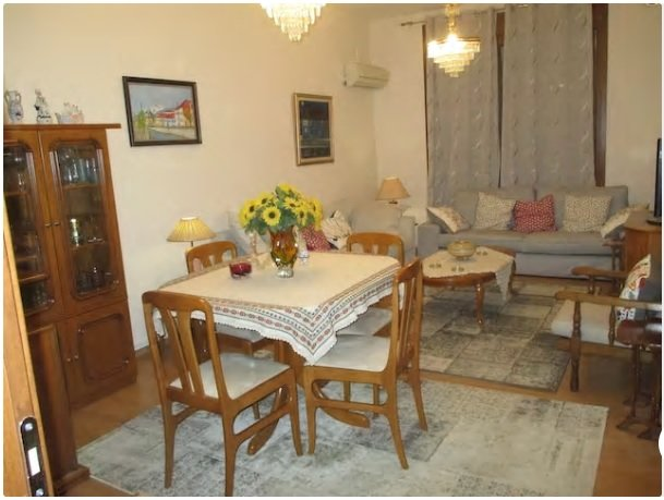 House by the river in City Center, holiday rental in Kastoria Region
