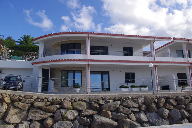 villa surplombant la mer, holiday rental in Filandari