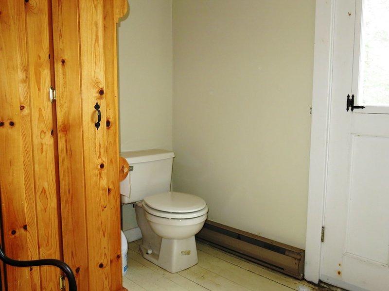 The bathroom at Lavender Cottage.