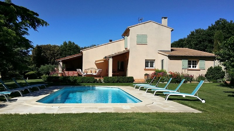 Caumont-sur-Durance Villa Sleeps 10 with Pool and WiFi - 5822326, casa vacanza a Caumont-sur-Durance