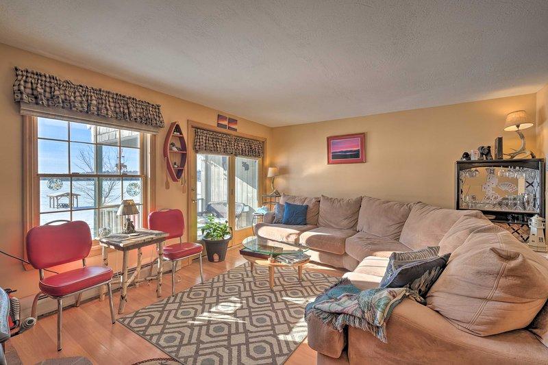Rangeley Condo: Lake View, Fishing & Snowmobiling, vacation rental in Rangeley