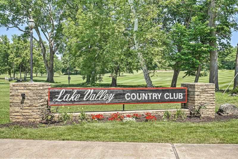 Lake Valley Country Club is just right down the road.