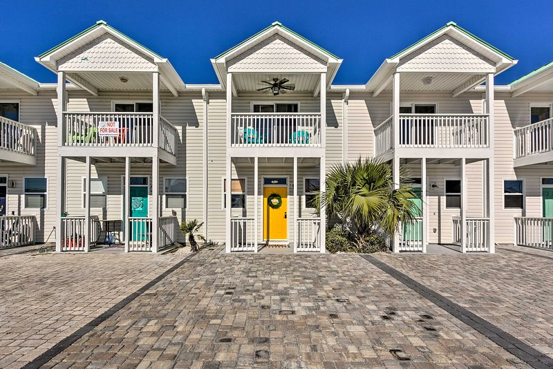 NEW! Updated Abode w/ Yard, Walk to Mexico Beach! – semesterbostad i Mexico Beach