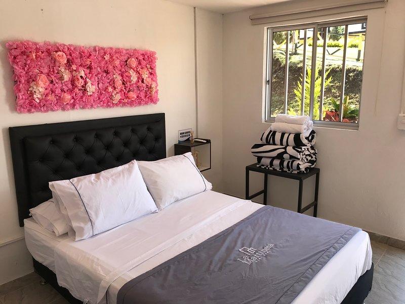 La Martinera Aguas Abiertas Room 15 Vista directa al embalse, aluguéis de temporada em Guatape