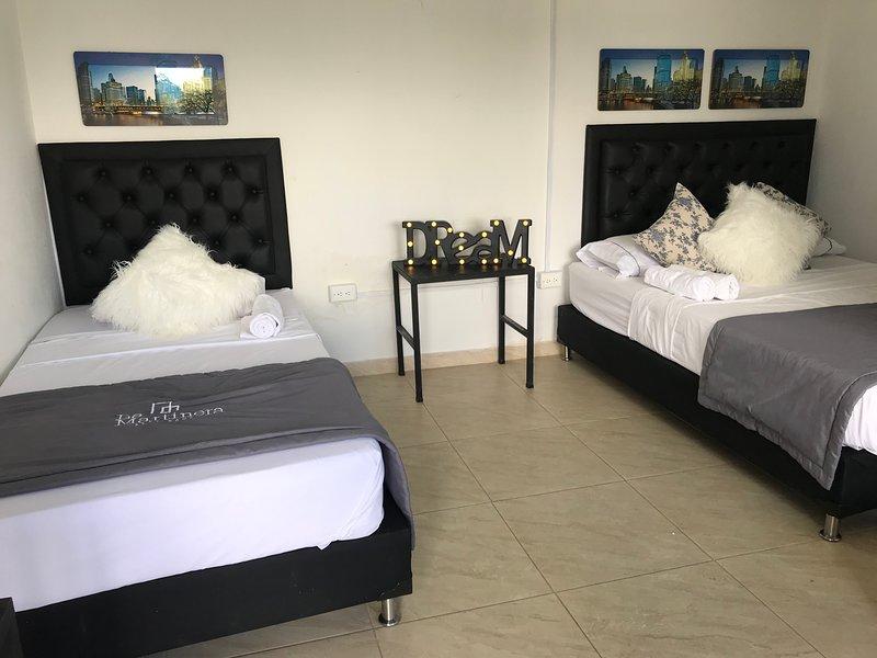 La Martinera Aguas Abiertas Room 13 Vista directa al embalse, aluguéis de temporada em Guatape