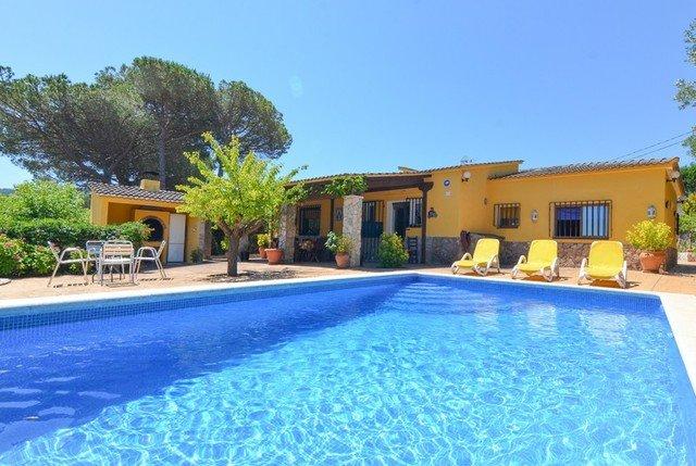 Santa Ceclina Villa Sleeps 11 with Pool and WiFi - 5509463, holiday rental in Cartella