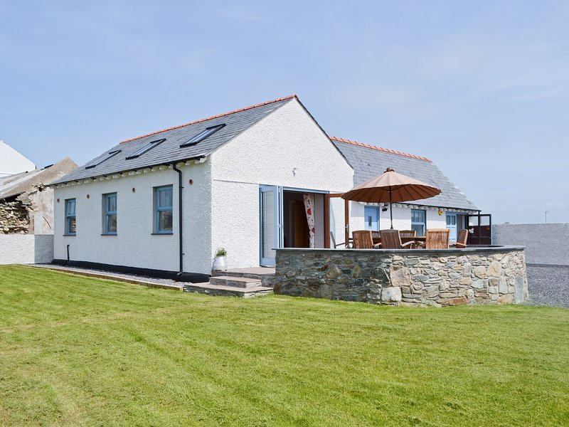 Stack View Cottage, holiday rental in Holyhead