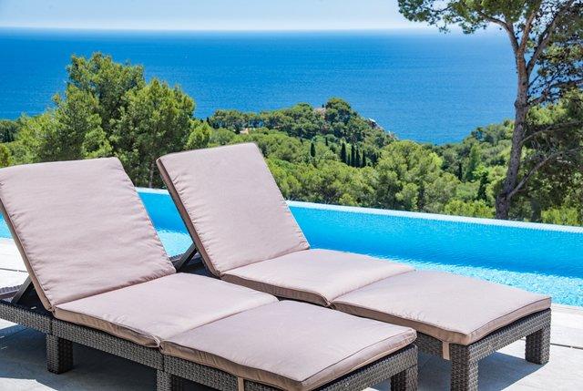 Blanes Villa Sleeps 12 with Pool Air Con and Free WiFi - 5644613, location de vacances à Blanes