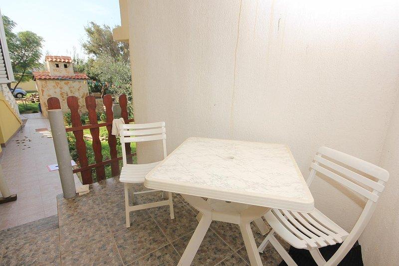 Dinjiska Apartment Sleeps 3 with Air Con - 5469527, casa vacanza a Dinjiska