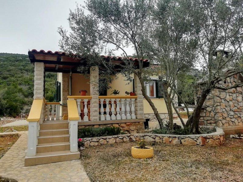 Dobropoljana Holiday Home Sleeps 5 - 5471489, location de vacances à Dobropoljana